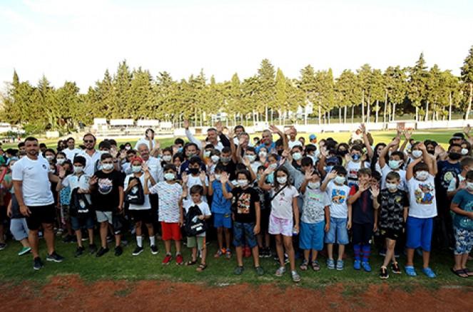 Çeşme Belediyespor Yaz Spor Okulları başladı