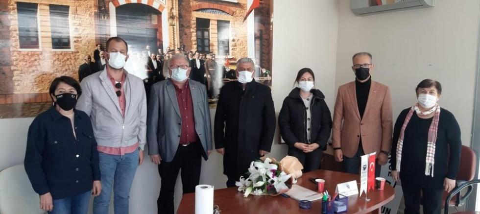 Çeşme CHP'den STK'lara nezaket ziyareti
